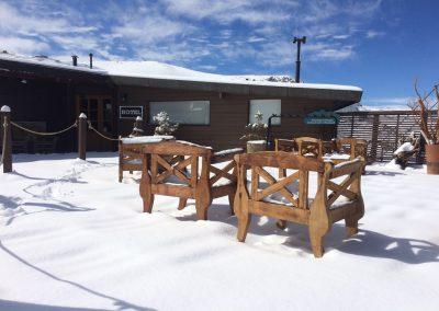 Terraza sillas madera 1
